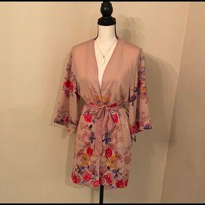 """A new day wrap"" kimono/dress size xs/s"